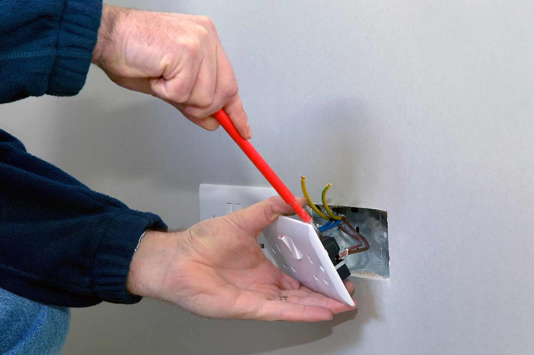 Our electricians can install plug sockets for domestic and commercial proeprties in Epping and the local area.